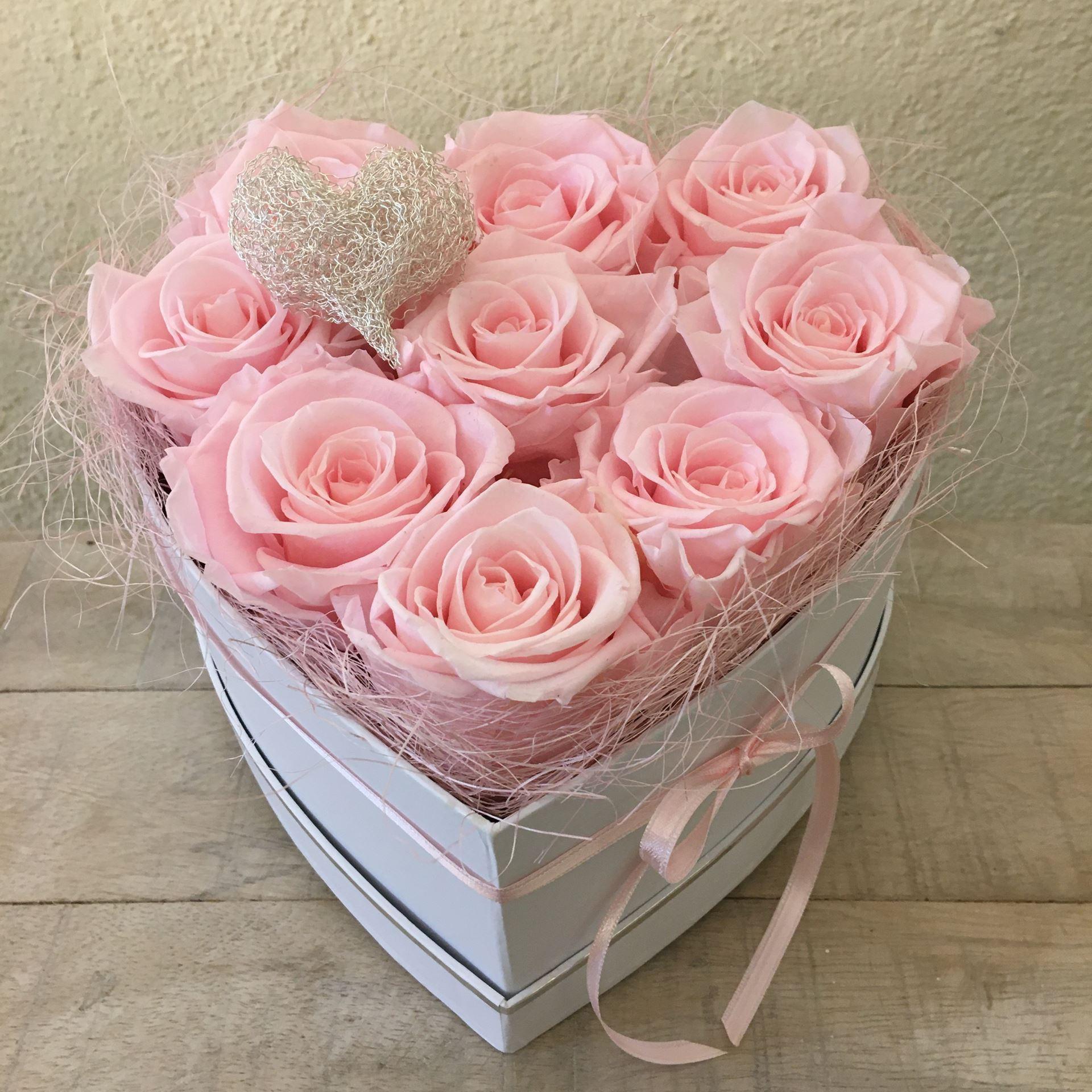fleurophome ein rosenboxherz mit 9 echten