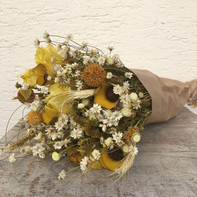 Trockenblumen Strauss Bund mix in gelb-weiss © by Leutwyler Floristik Luzern