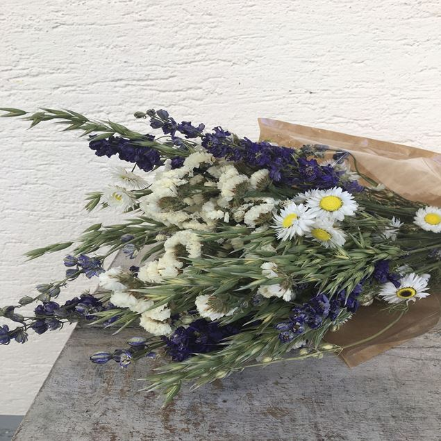 Trockenblumen Strauss Bund mix in blau-weiss © by Leutwyler Floristik Luzern